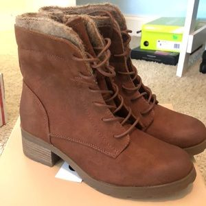 NWT ankle boots - never worn